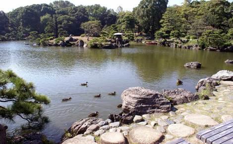 母の介護と車椅子での散歩風景・清澄庭園kiyosumi05.jpg