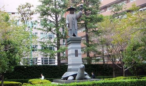 251017-4.JPG母の介護と車椅子での散歩風景・江戸東京博物館4
