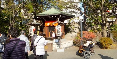 260104hukurokujyu-3.JPG深川七福神・福禄寿・母の介護と車椅子での散歩風景